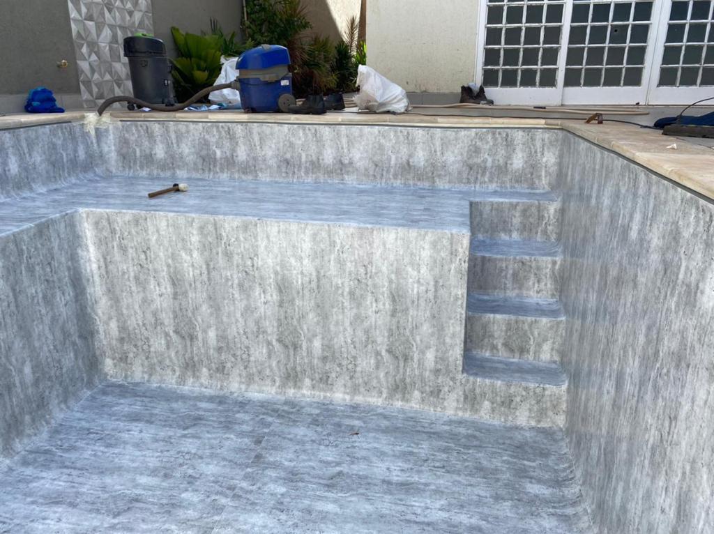 Piscina de Vinil com Banco e Degrau Jd. California - Estampa Marmore Carrara 0,7mm-6