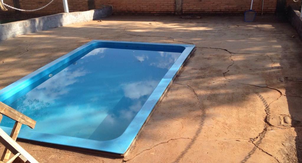 piscina-com-deck-molhado-01