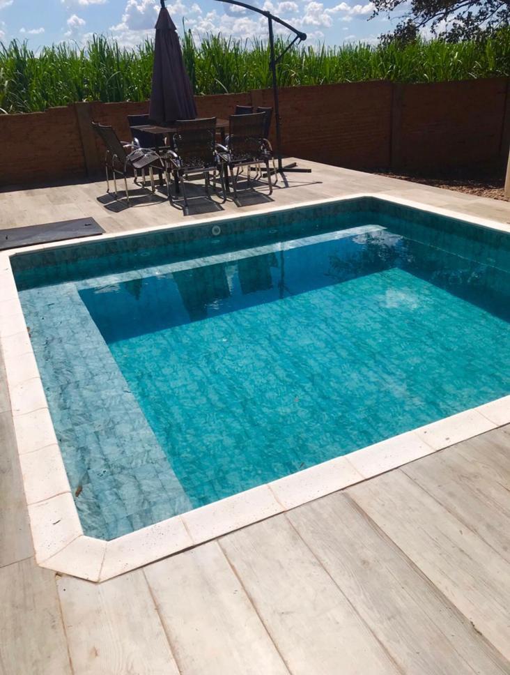 piscina-com-deck-molhado-05