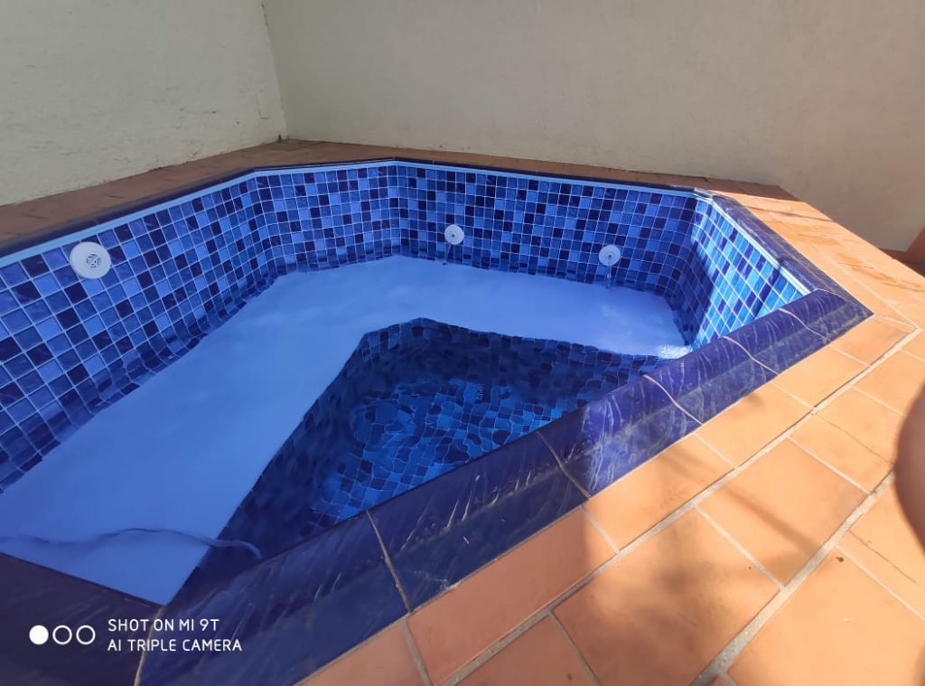 Troca de Vinil em Piscina Condominio Ouro Verde Estampa Blue Master azul claro 0,7mm-8